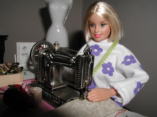 Barbie A Sewing